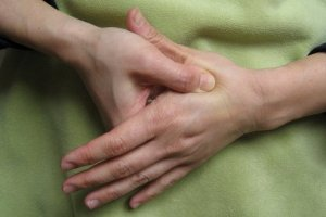 image from http://acupressurepointsfor.com/5-simple-acupressure-points-for-headache.html