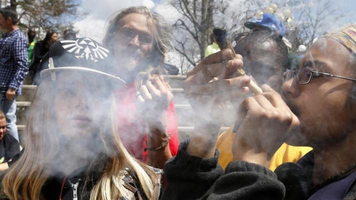 ap-smoking-pot-cpr